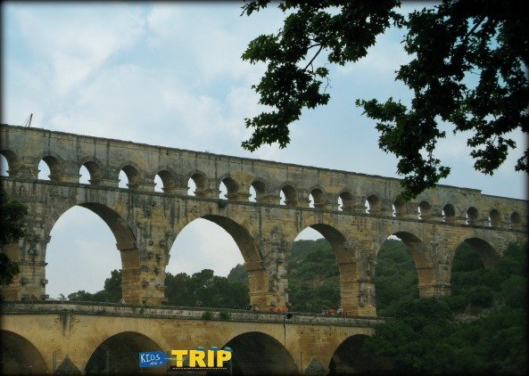 Pont du Gard, outside Avignon, Provence, France